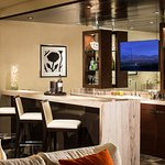 Luxury Suite Wet Bar