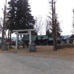 諏訪護国神社の全景です。