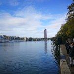 Photo de Feel The City Tours