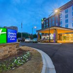 Holiday Inn Express & Suites Covington
