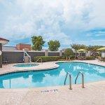 Photo of La Quinta Inn & Suites Fort Worth City View