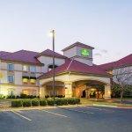Photo of La Quinta Inn & Suites Bentonville
