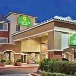 Photo of La Quinta Inn & Suites Las Vegas RedRock/Summerlin