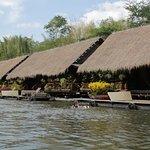Floating rooms/hotel/resort