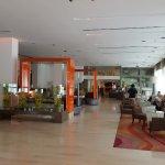 Lobby, bar and restaurant area