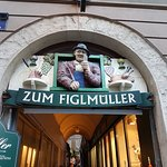 Figlmuller: Entrance to the alley