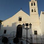 Den flotte kirke, som ligger tæt ved restaurant La Bodeguilla.