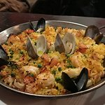 Paella de Mariscos (seafood paella)