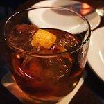 Foto Tavern Law