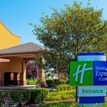 Photo of Holiday Inn Express Chicago-Oswego