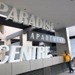 Photo de Paradise Centre Apartments