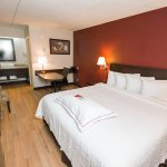 Foto de Red Roof Inn Plus St Louis-Forest Park/Hampton Avenue