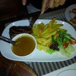 ローカル牛のステーキ