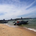 Speed Boats leaving for Koh Larn Island