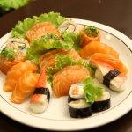 Buffet com comida oriental