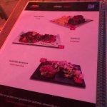 Restaurant très bien, personnel aimable, pas d'arnaque pour les touristes, goûtez leurs tapas, s