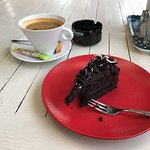 A (loong) black coffee with chocolate mousse pie. Yummie!