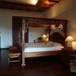 Villa Cempaka and Mountain View Apartment - masterbedroom