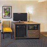 Photo of La Quinta Inn & Suites Fort Worth North