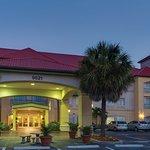 Photo of La Quinta Inn & Suites Fort Myers Airport