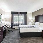 La Quinta Inn & Suites Milwaukee Delafield Foto