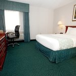 Foto de La Quinta Inn & Suites Chicago Gurnee