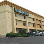 Foto de La Quinta Inn Indianapolis Airport Executive Drive