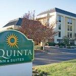 Photo of La Quinta Inn & Suites Charlotte Airport North