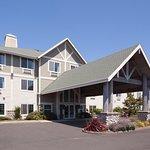 Photo of La Quinta Inn & Suites Newport