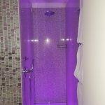 cromo doccia luce lilla