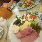 صورة فوتوغرافية لـ Swiss Cottage Cafe