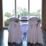 Salón para eventos. Preparado para matrimonio civil.