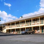 Harvest Drive Family Inn