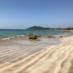 Photo de Thande Beach Hotel