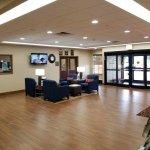 Photo de Comfort Inn & Suites Farmington - Victor