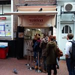 There is always a queue at Vlaams Friteshuis Vleminckx