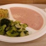 Vellutata di quinoa rossa e finocchi, polpettone di fagiolini e patate, broccoli