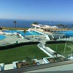 Foto de King Evelthon Beach Hotel & Resort