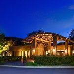 Photo of Sheraton Milwaukee Brookfield Hotel