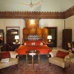 Photo de WelcomHeritage Bal Samand Lake Palace