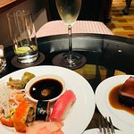 Sushi and Wagyu beef at happy hour - Club InterContinental