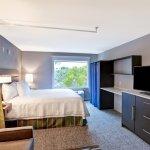 Photo de Home2 Suites by Hilton Miramar Ft. Lauderdale