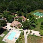 Domaine de Gavaudun piscine, terrains de sports, jeux, bar, restaurant