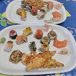 Menu sushi + camarão com amêndoas