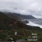 Przepiękne widoki, niewielu turystów i bezkres oceanu. To wszystko w tej części wyspy.