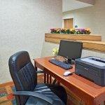 Photo of La Quinta Inn & Suites Overland Park