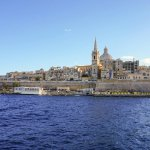 Widok z promu płynącego z portu Sliema do Valetty