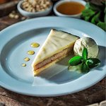 Pine nut tart with white chocolate