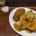 Rollè di maiale con insalata mista ai funghi e patate