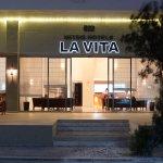 Photo de Mitsis La Vita Beach Hotel